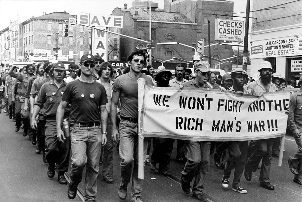 """""""Não lutaremos outra guerra de ricos"""". Foto de Julia Ryan."""