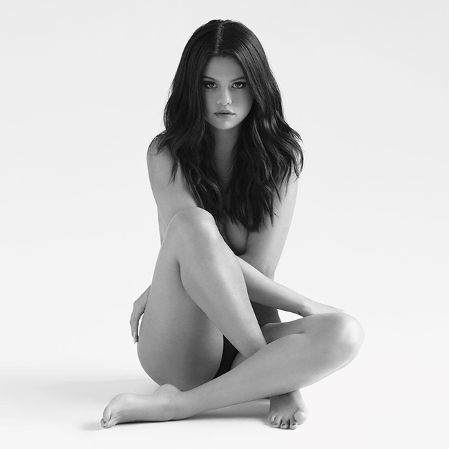 selena-gomez-revival-album-2015-billboard-650x650.jpg