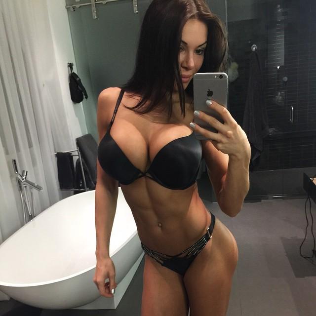 Bianca-Gabriela-15-2z8k3c23yh8yg0fkypto22.jpg