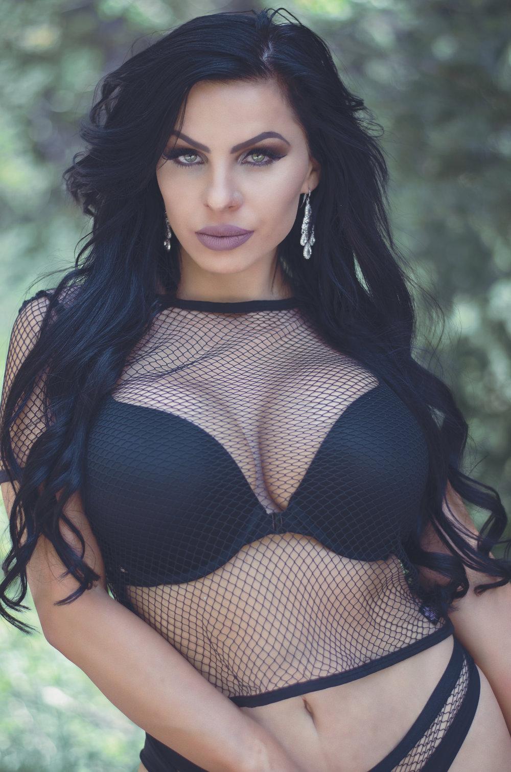 Vanessa 4.jpg