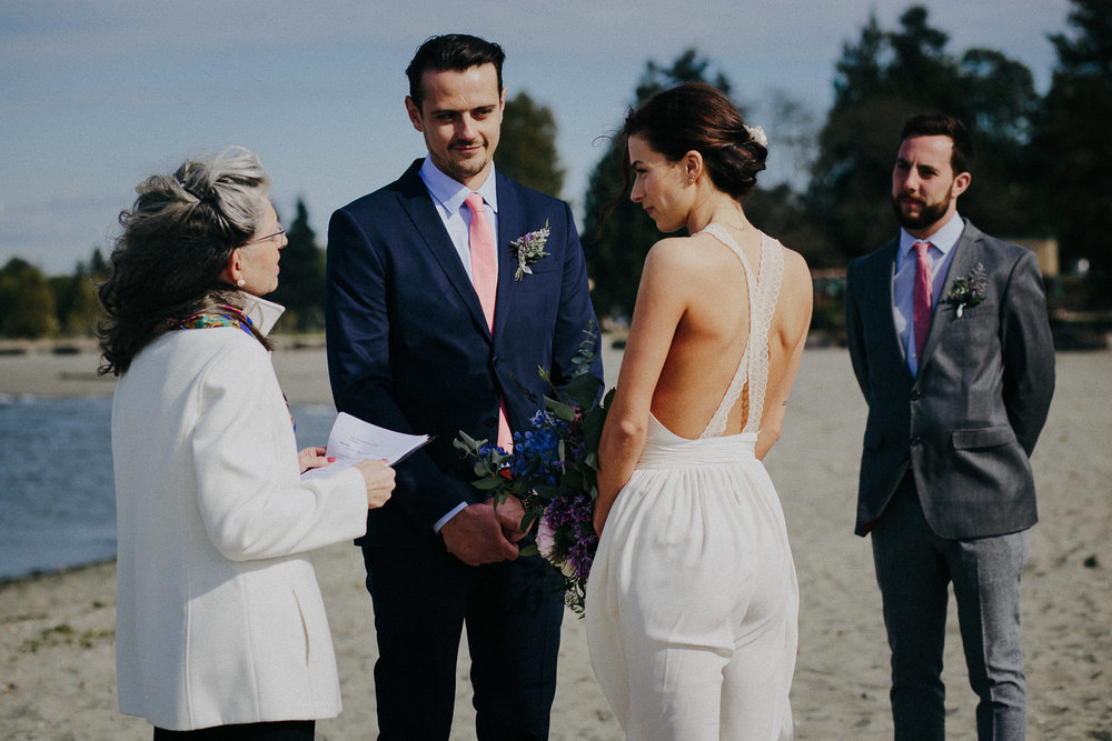 vancouver beach wedding ceremony