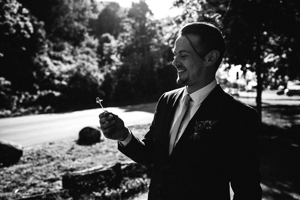 groom near the beach in vancouver