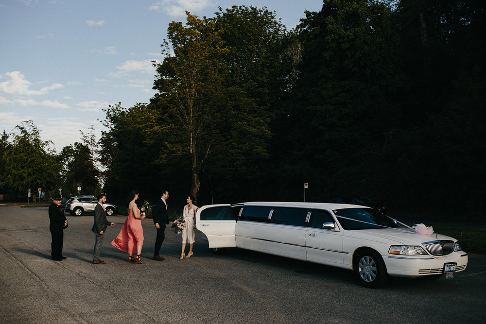 limo at spanish banks wedding