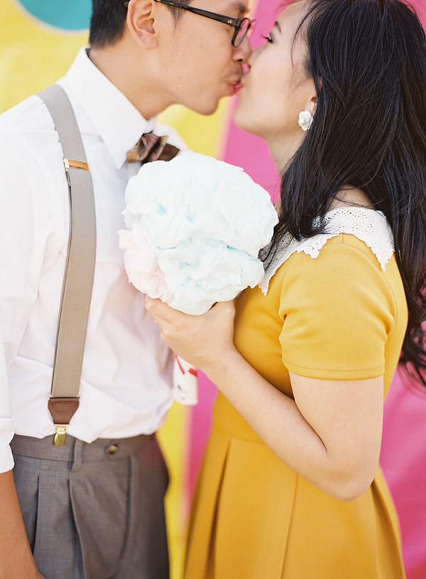 Couple-Holding-Cotton-Candy.jpg