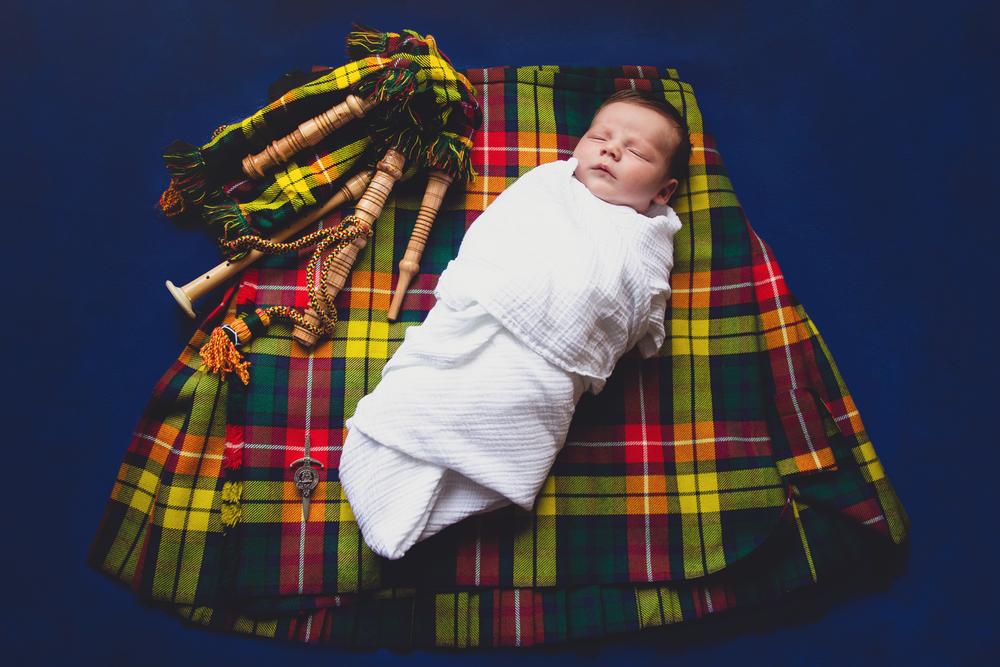 Newborn Lifestyle Session | Hawes