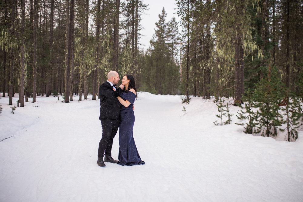 Snowy Mt Hood, Oregon Engagement Session.jpg