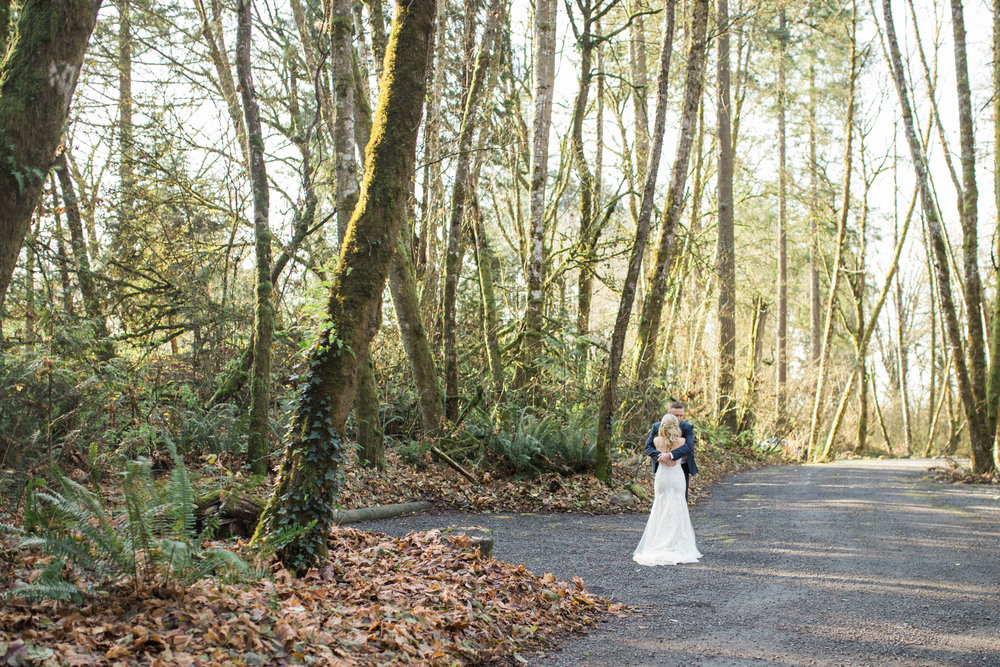 Ridgefield, WA wedding photographer, summit grove lodge weddings, first look photos