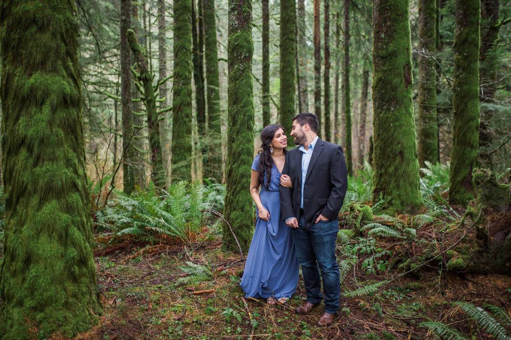Salem, Oregon photographer, Silver Falls Engagement Session photographer