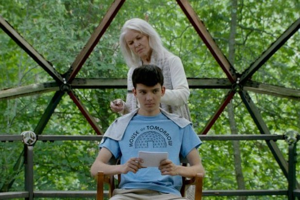 Ellen-Burstyn-and-Asa-Butterfield-The-House-of-Tomorrow-copy.jpg