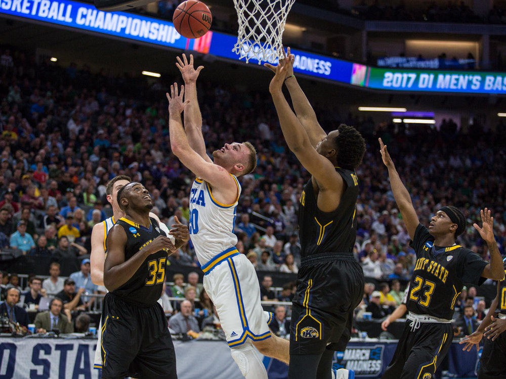 17.03.18.mbball.ucla.kentst-2.jpg