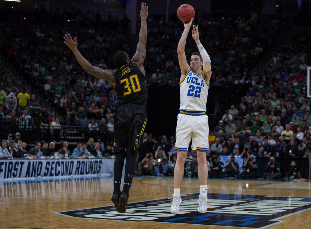 17.03.18.mbball.ucla.kentst-10.jpg