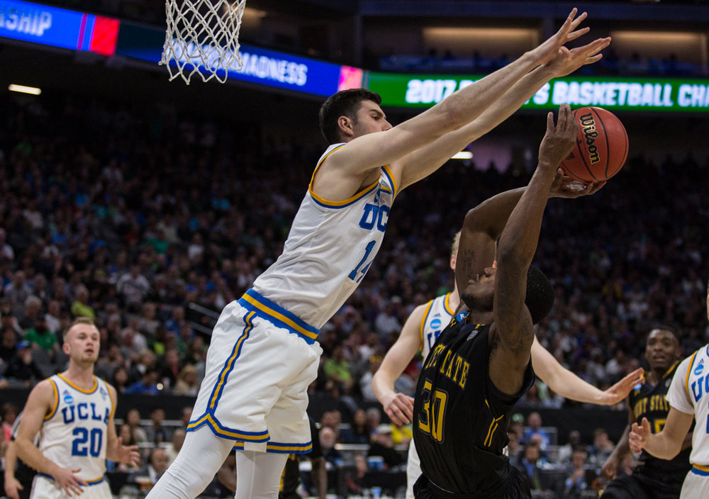 17.03.18.mbball.ucla.kentst-13.jpg