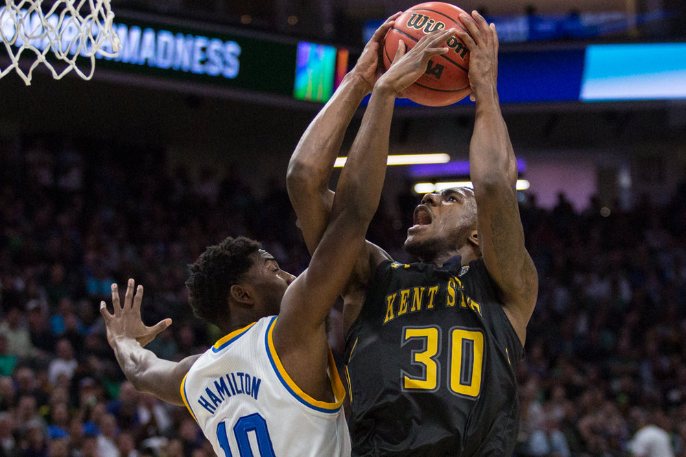 17.03.18.mbball.ucla.kentst-1-3.jpg