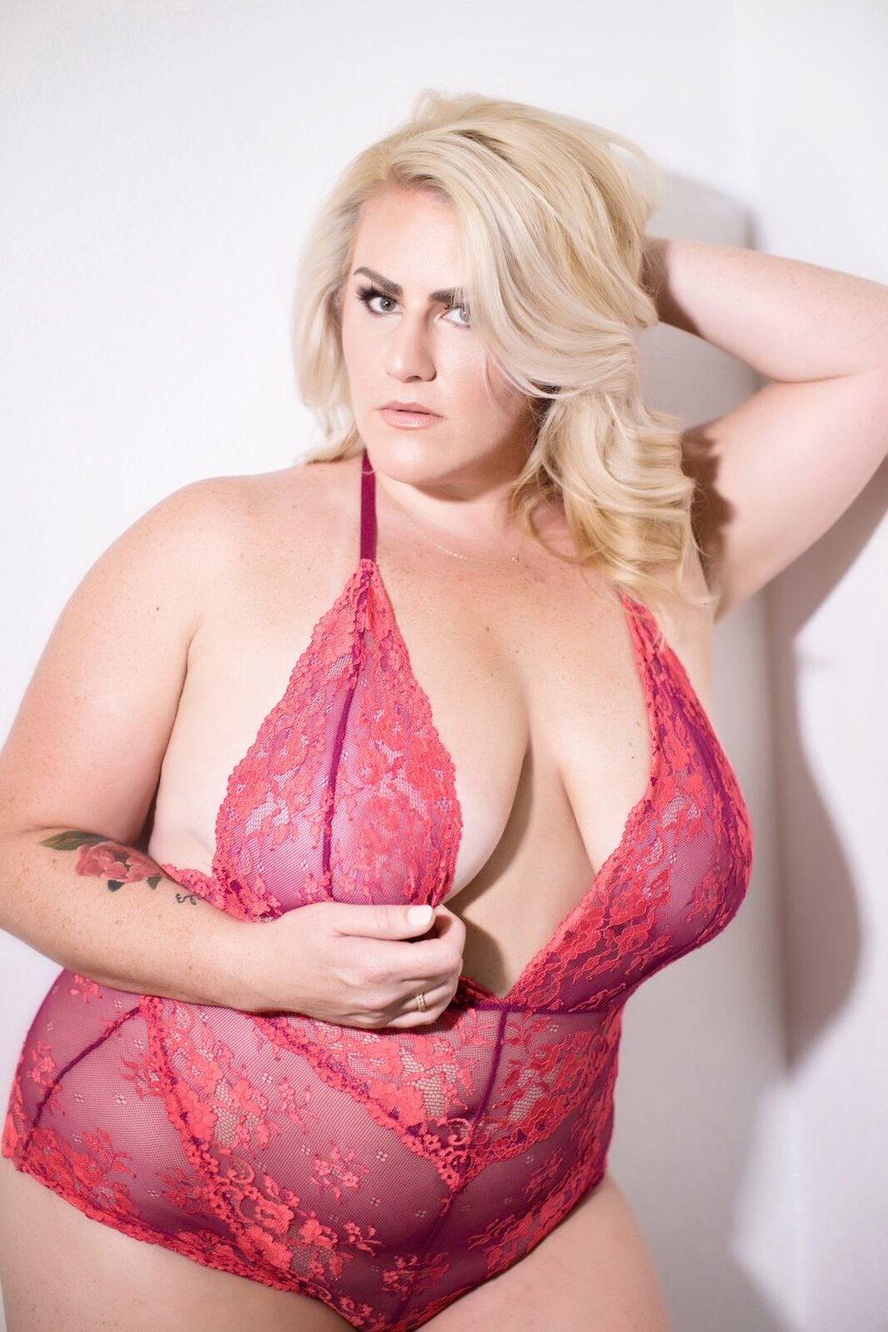 plus size lingerie-red-lingerie