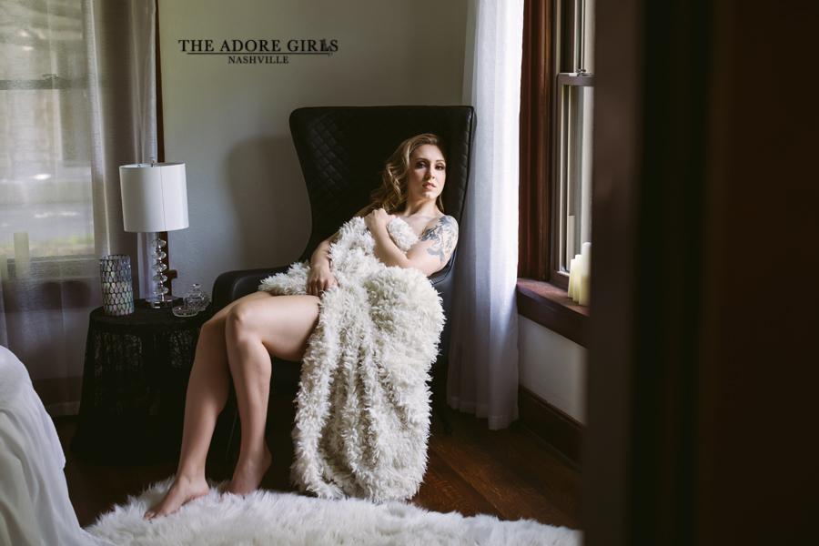 The Adore Girls Boudoir Nashville fur blanket