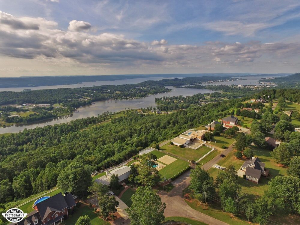 Scenic Bluff Drive on Lake Guntersville