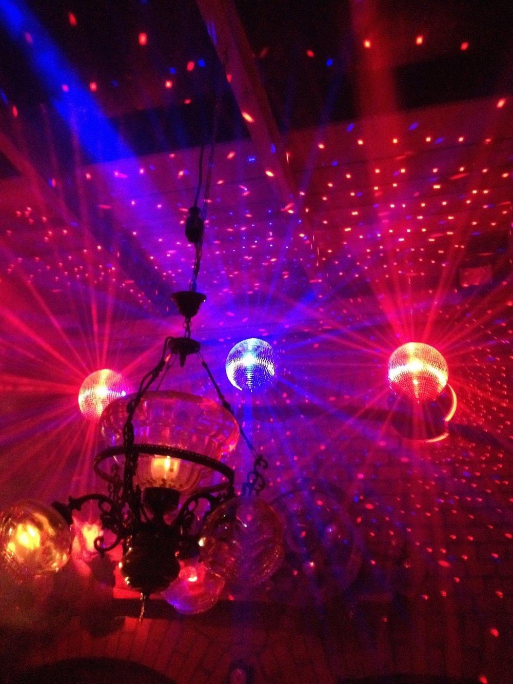 dance-floor-371380.jpg