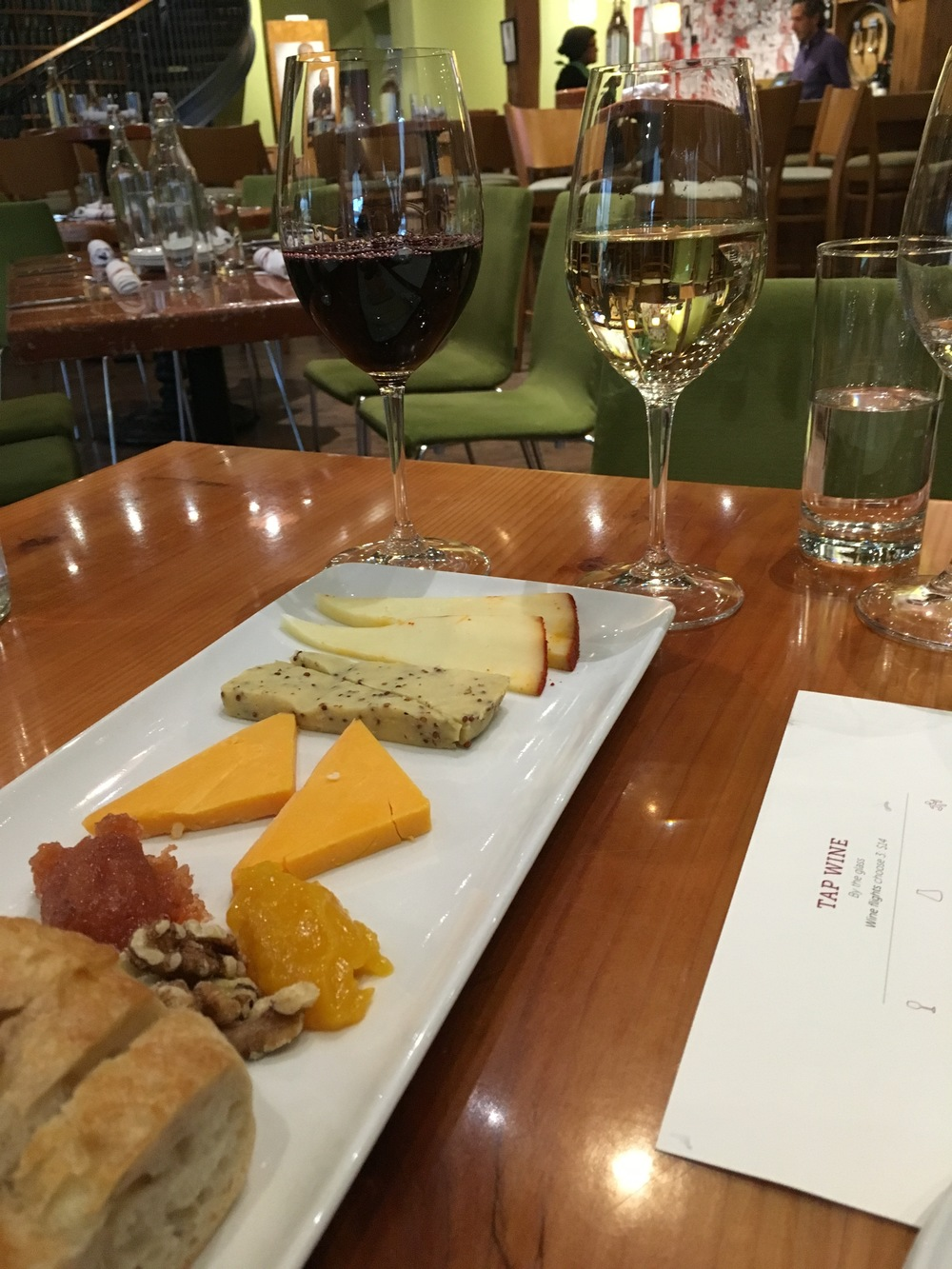 CITY WINERY CHICAGO: New World Cheese Tour