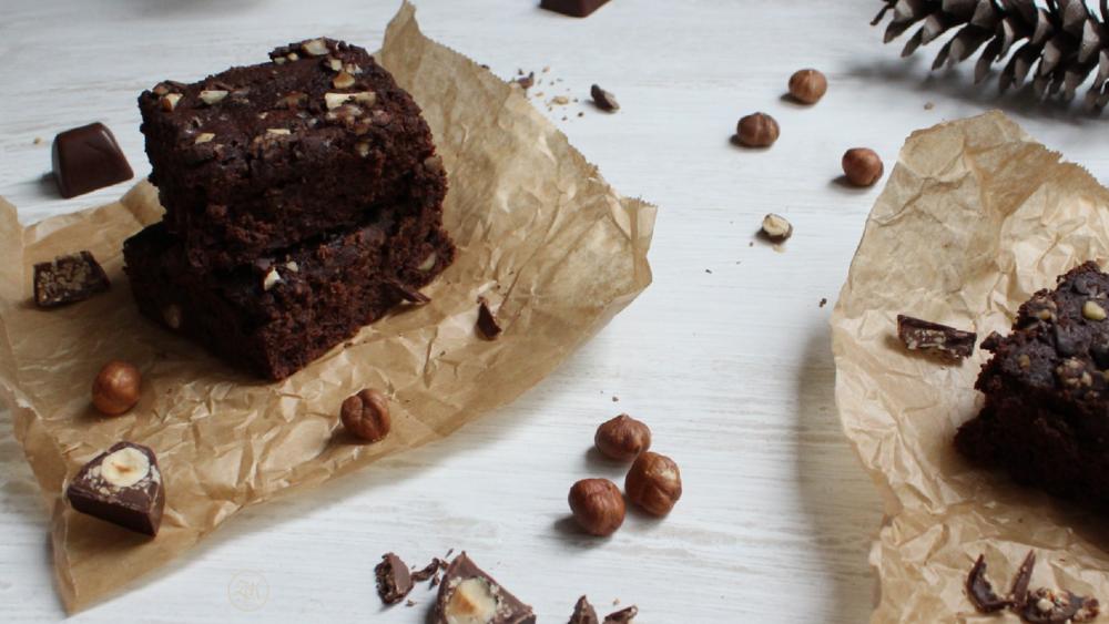 Nüsse und Schokopralinen...die Krönung für die Brownies