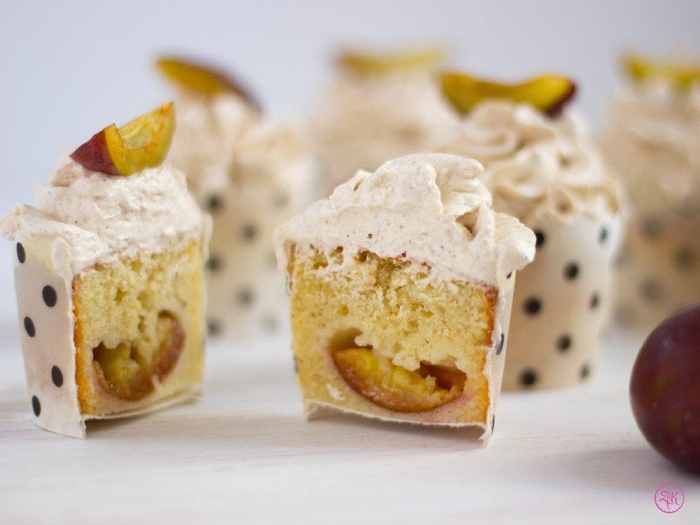 Cupcakes mit Zwetschgen und Zimttopping