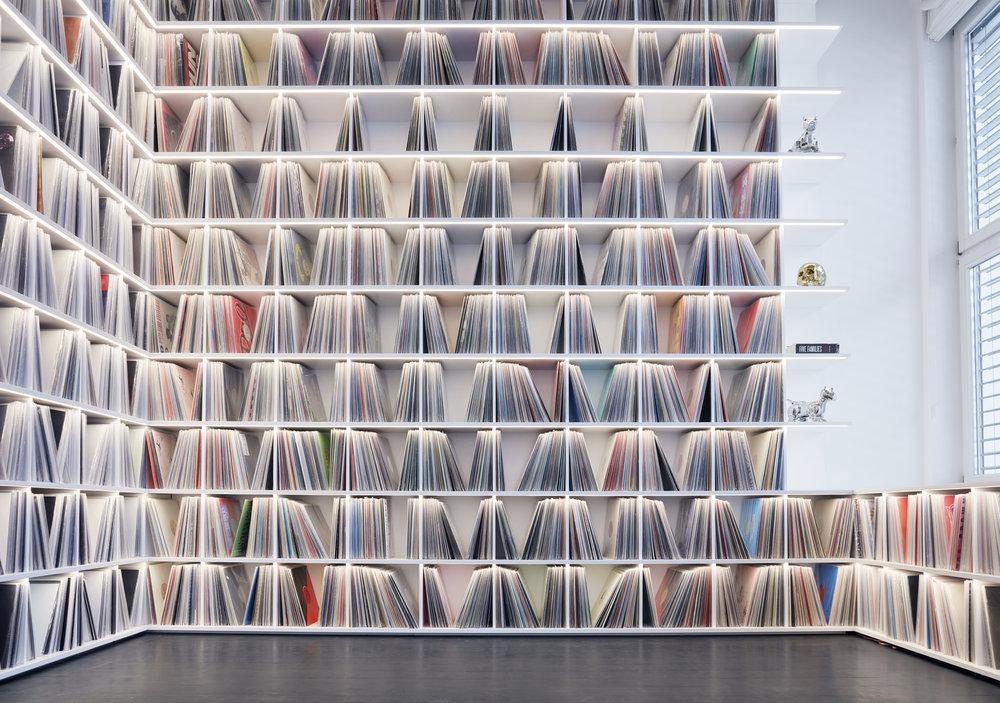 2_Record room_Loft Horgen_Mia Kepenek_foto ©Simone Vogel_4671.jpg