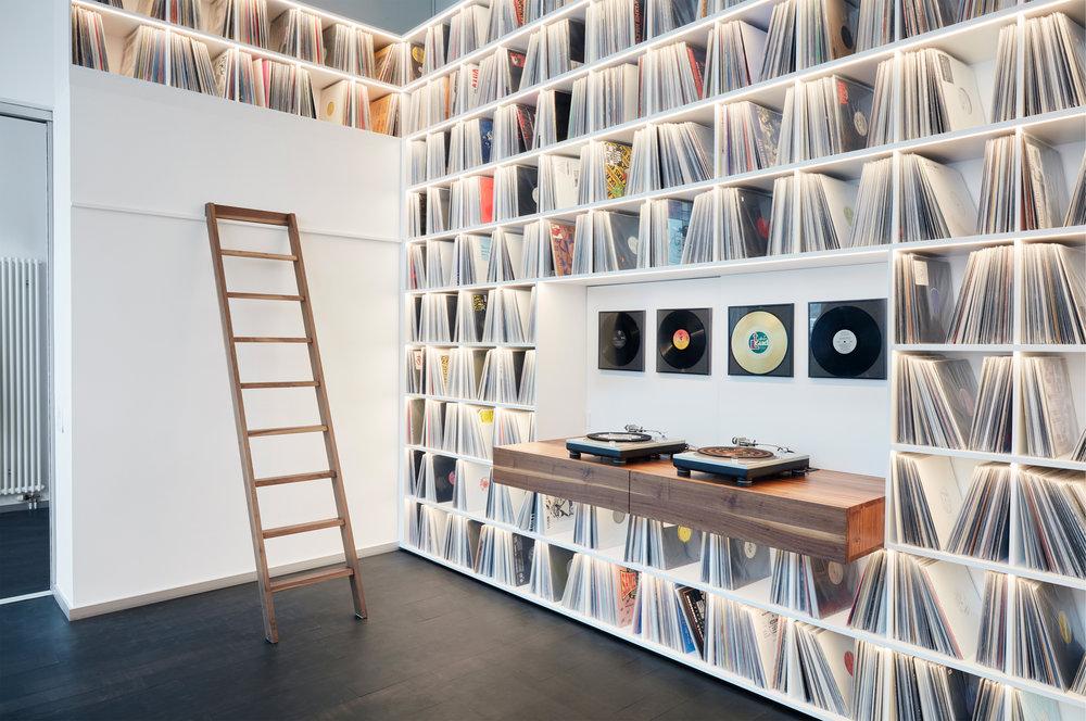 3_Record room_Loft Horgen_Mia Kepenek_foto ©Simone Vogel_4680.jpg
