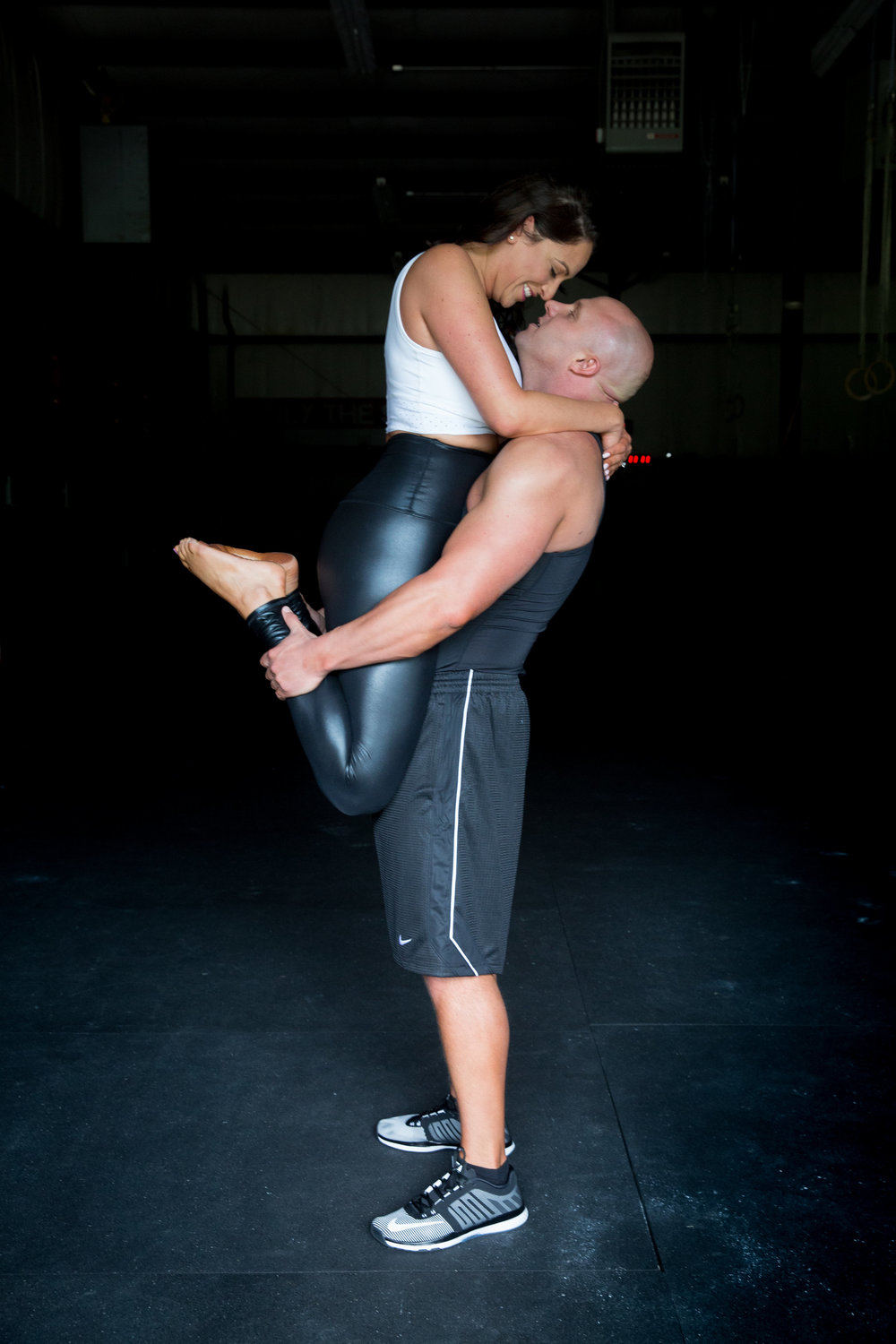 4-eyes-photography-engagement-shoot-couples-working-out-046.jpg