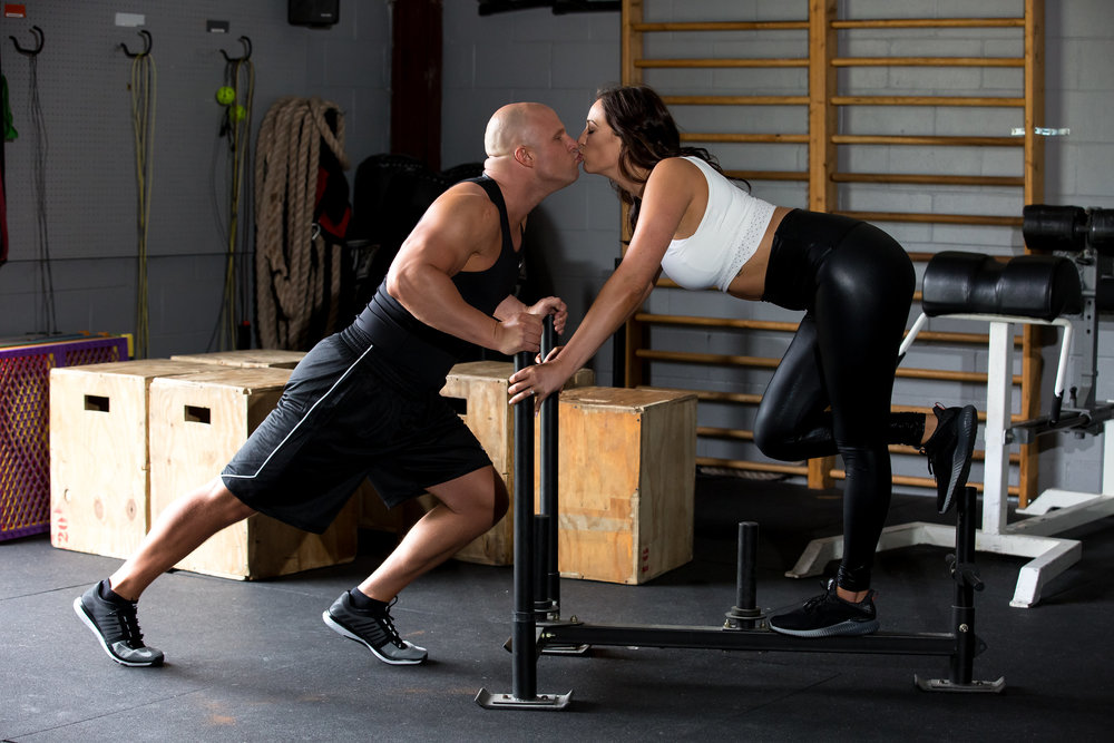 4-eyes-photography-engagement-shoot-couples-working-out-181.jpg
