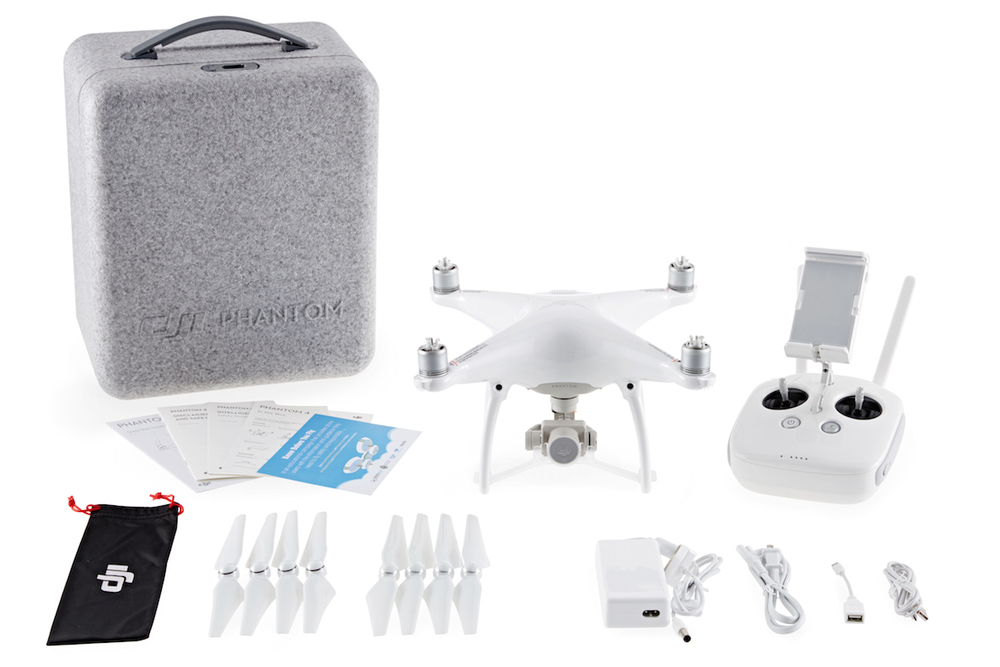 Phantom 4 Package: Case, Drone, Controller, Propellers