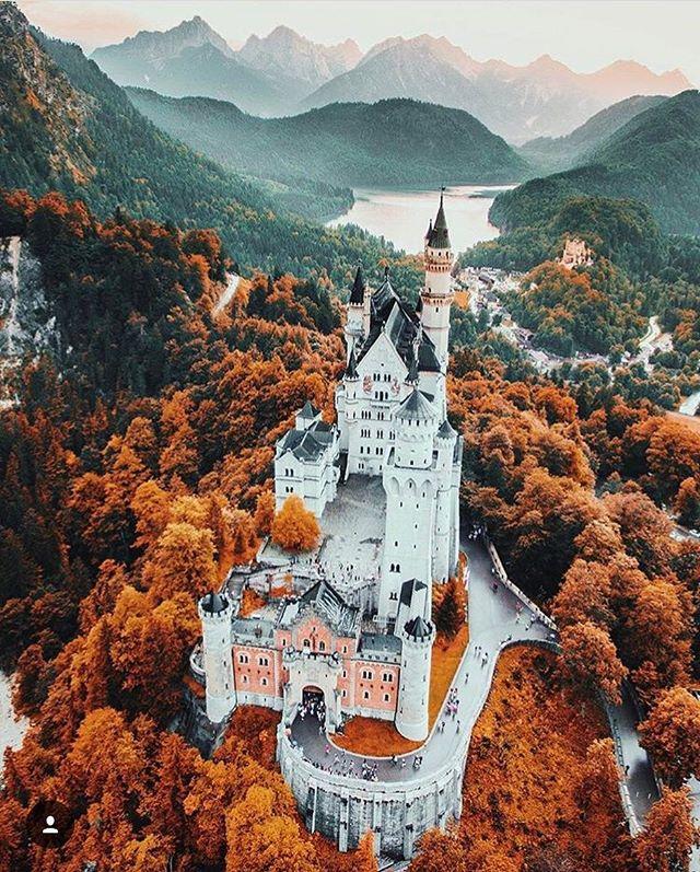 Castle Goals 🙌 #DrDrone #DJI #drones #uav #dronephotography #landscapephotography #dronepilot #dronesdaily #aerial #aerialphoto #dronelife #dronelife #dronesdaily #drone #dronestagram #droneoftheday #dronefly #halifax #dartmouth #novascotia #ns #canada #photography #tech #uavsco #castle #photooftheday @jacob