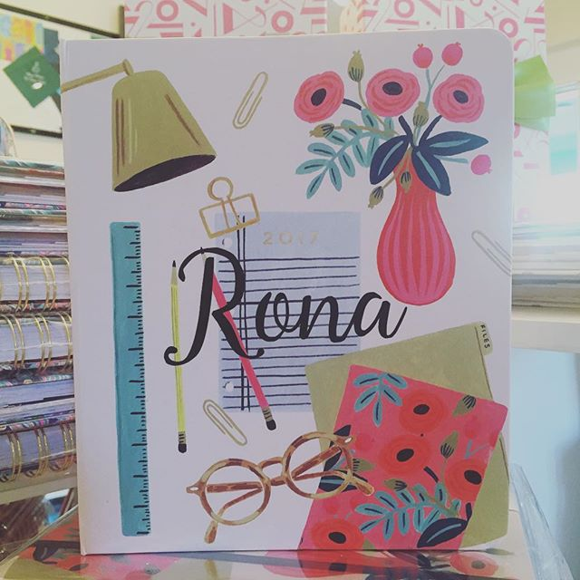 Free vinyl lettering available with any agenda purchase! This Rifle Paper Co. is the cutest in script! #shoplakeland #getorganized #riflepaperco #shoplocal #dixieland