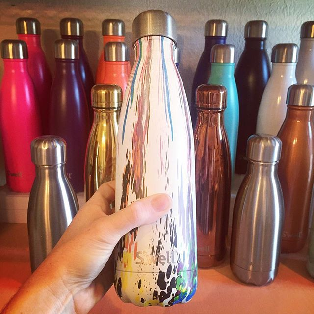Newest S'well Pattern! 🌀 FESTIVAL OF COLOR 🌀 #shoplakeland #shoplocal #swellbottle #hotfor12hours #coldfor24hours