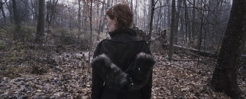 05_Asenna_Back_Snow_1.jpg