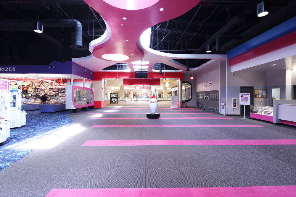 Round1 Bowling & Amusement Main Hallway