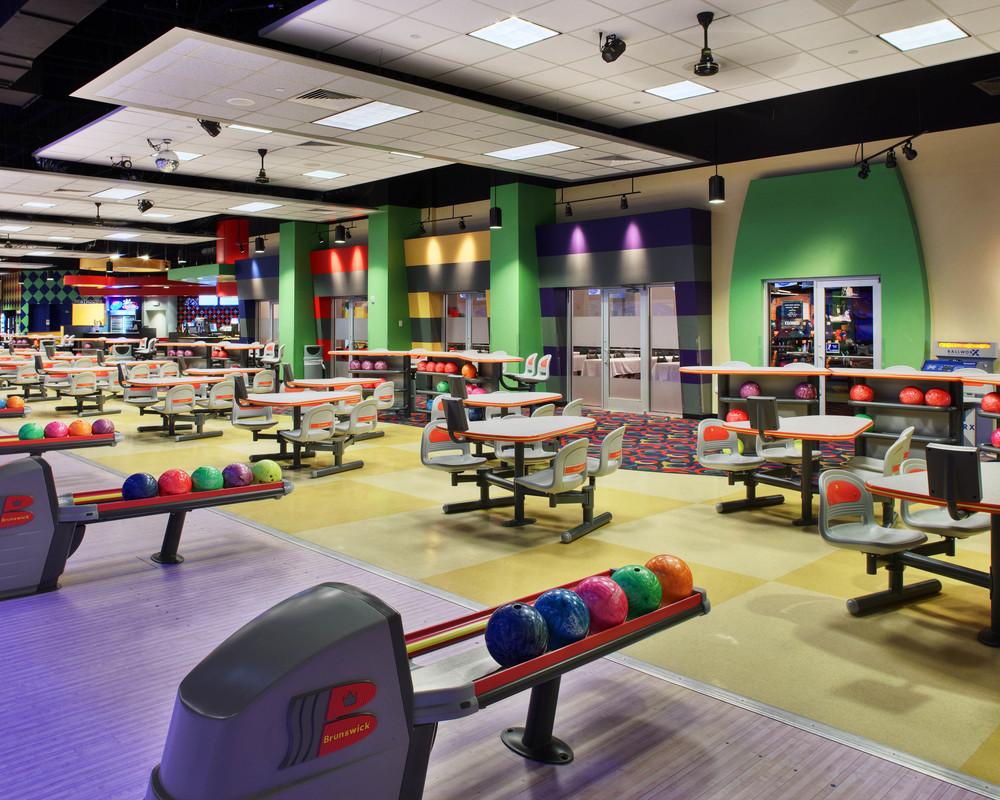 Mel's Lone Star Lanes Bowling Alley