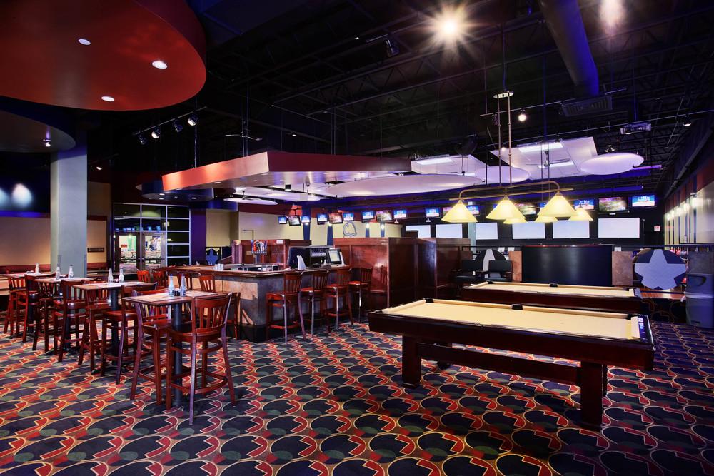Mel's Lone Star Lanes Billiards and Bar
