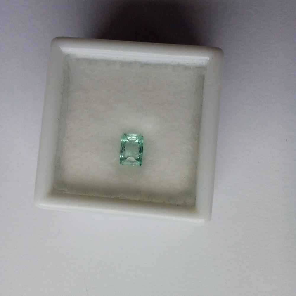 Emerald_concavecut.jpg