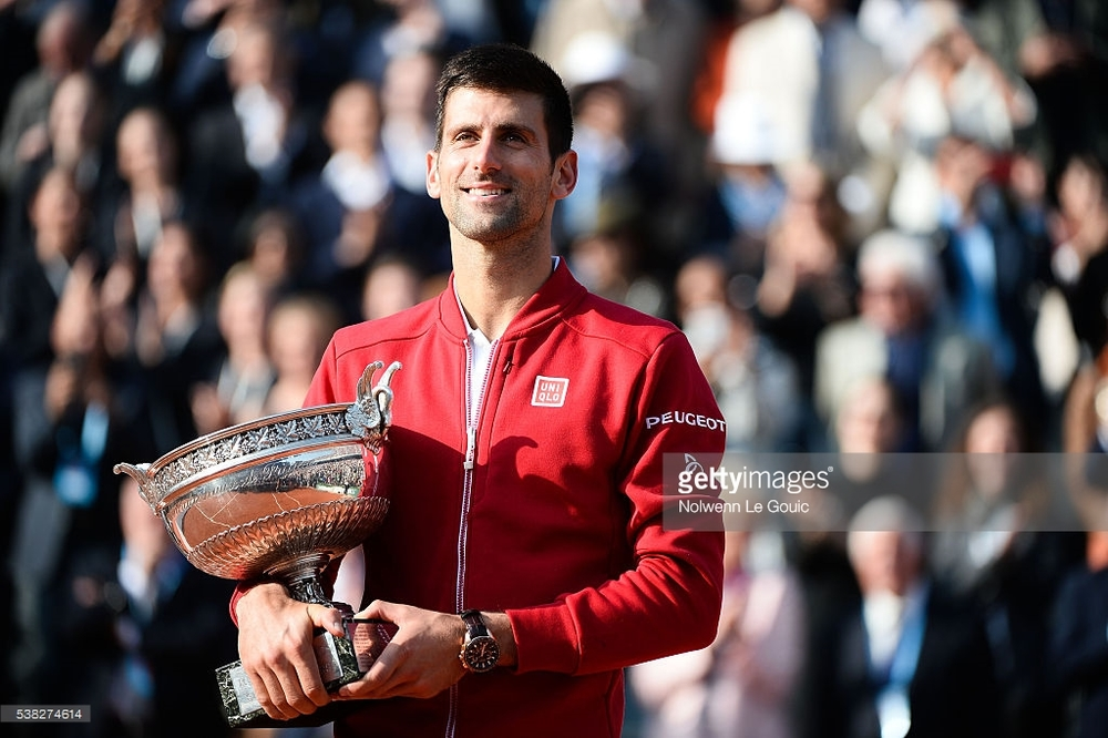 Novak Djokovic smiling after his win in the 2016 Roland Garros final.
