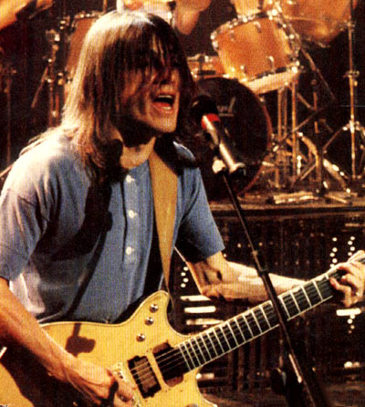 Malcolm Young of AC/DC owns and uses a Z.Vex Nano Head at home