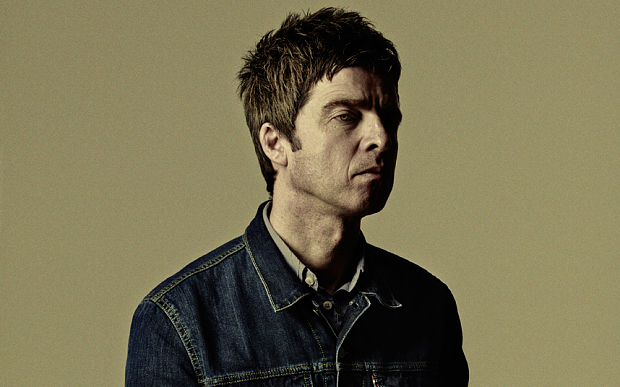 Noel Gallagher uses various Z.Vex pedals, notably the Lo-Fi Loop Junky.