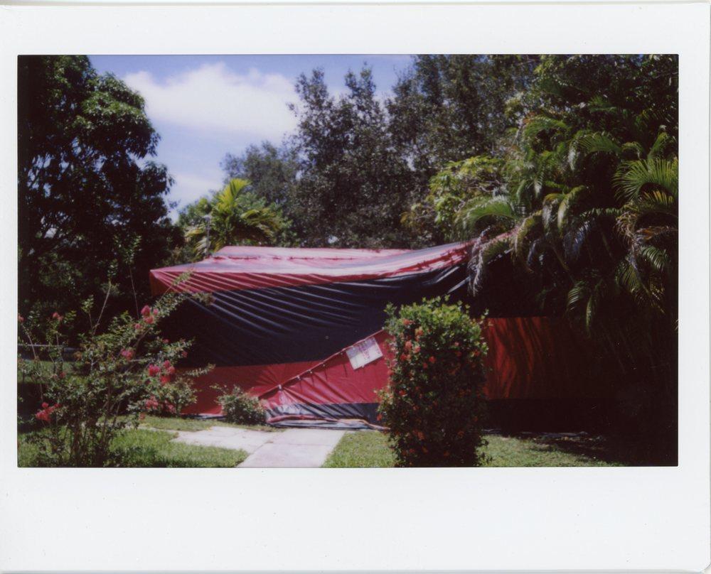 tent002.jpg