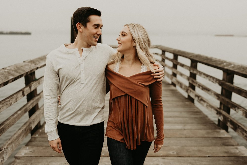 alki-beach-engagement_0003.jpg