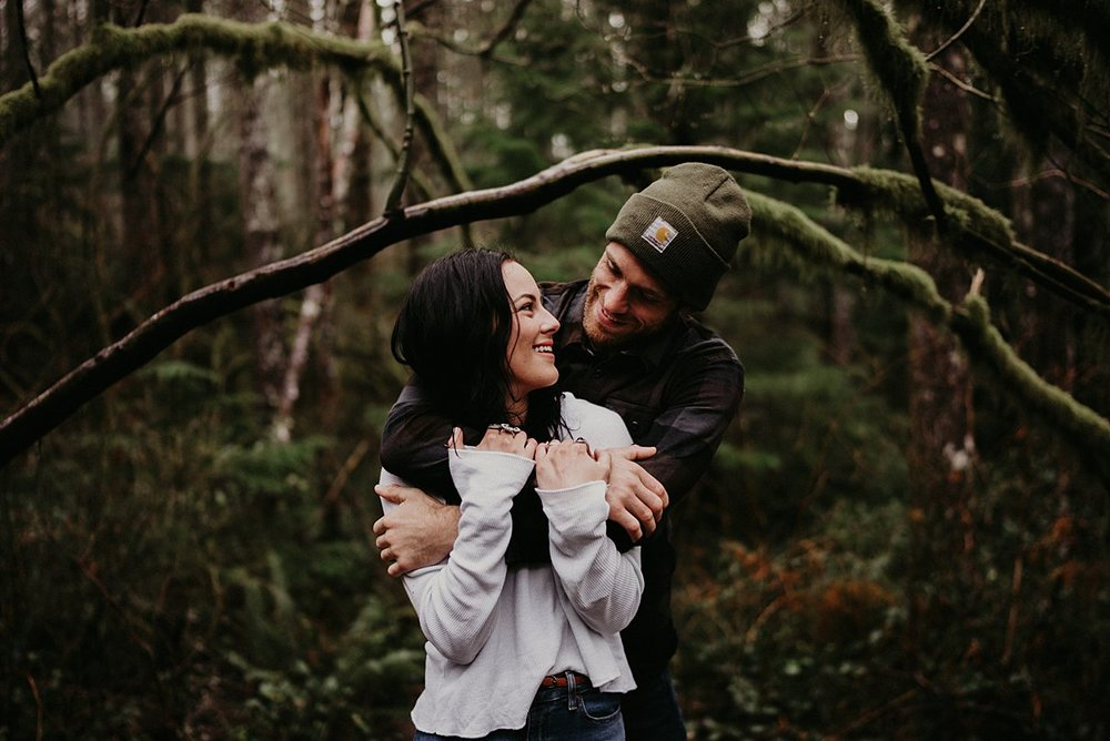 rattlesnake-lake-engagement-session_0003.jpg