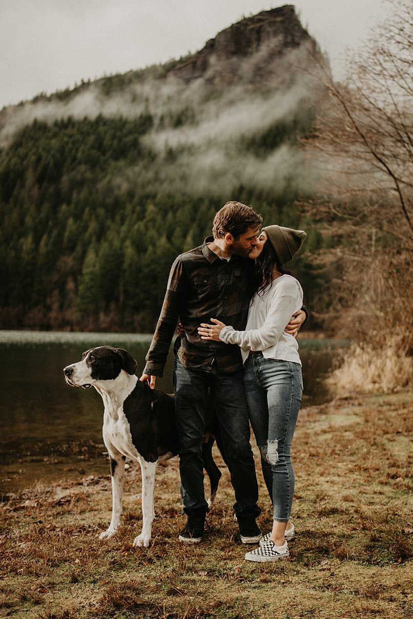 rattlesnake-lake-engagement-session_0015.jpg