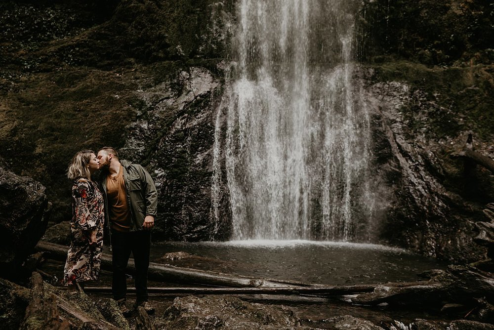 pacific-northwest-engagement-session_0001.jpg