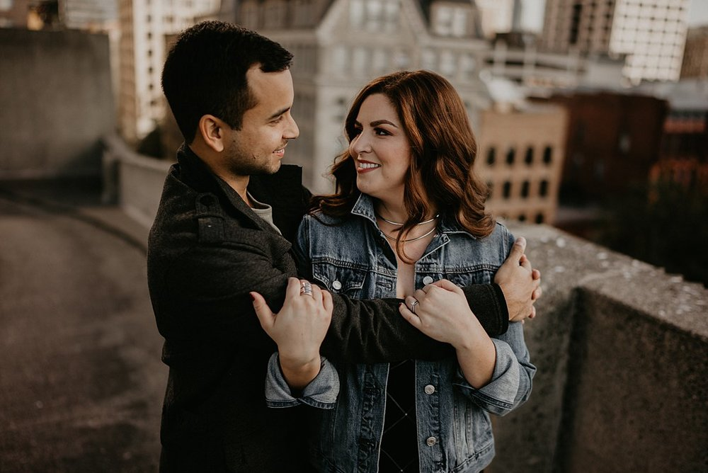 downtown-seattle-engagement-session_0008.jpg
