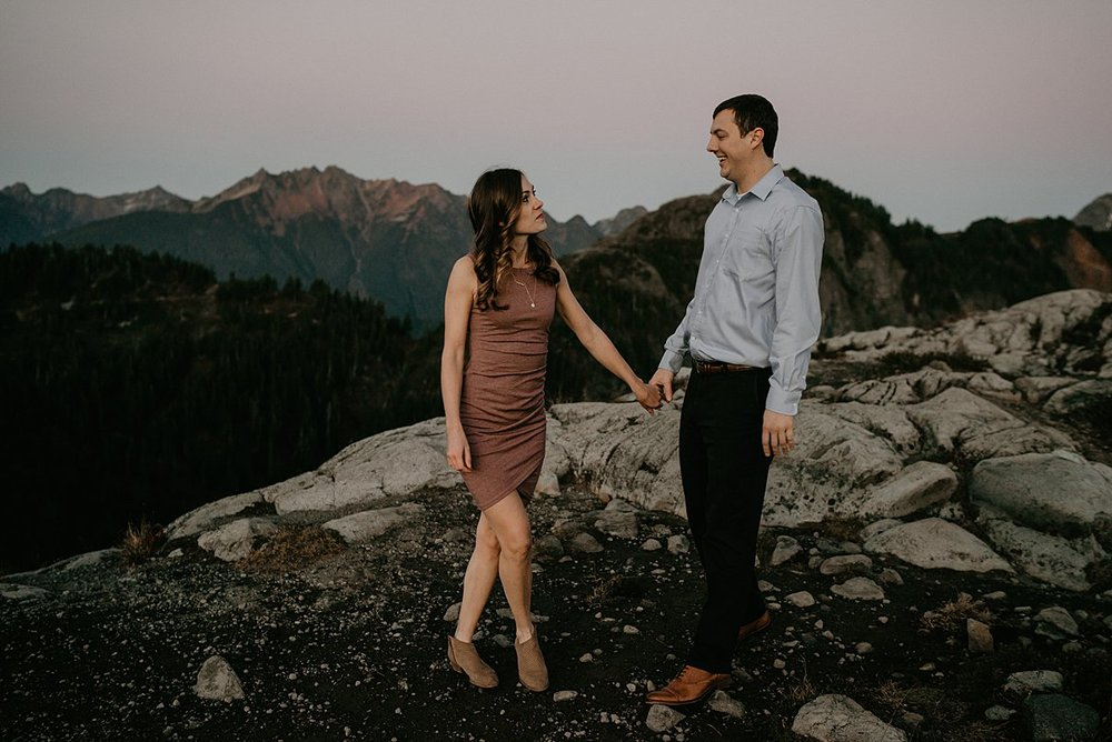 hiking-engagement-session_0001.jpg
