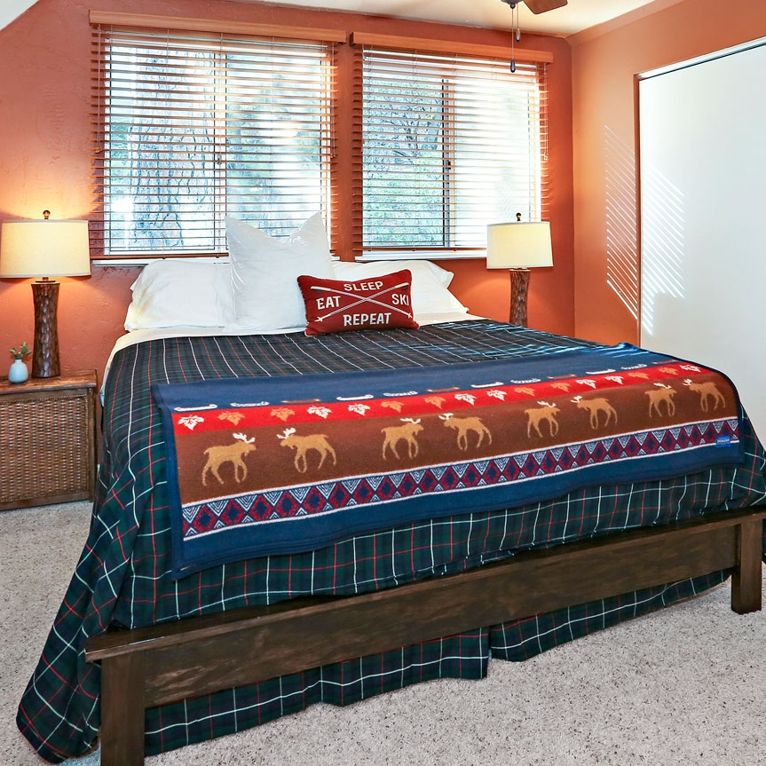 com cabins arrowhead in rental superior rent x mccbaywindow owner by cabin bedroom lake for pigeon amazing rentals forge idyllwild