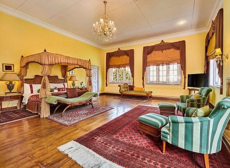 Maharaja-Suite-Bedroom-768x563.jpg