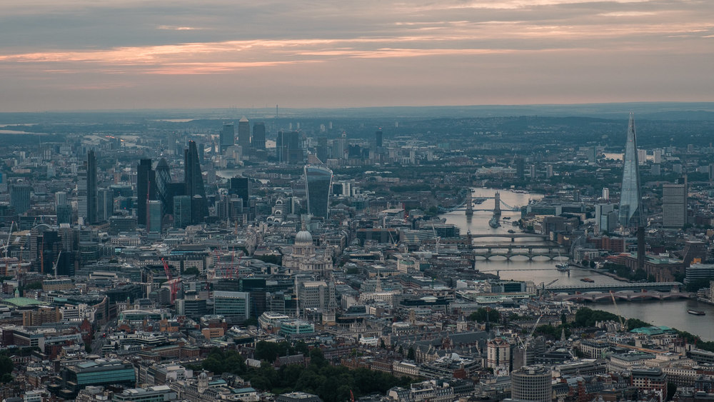 London towards city and Canary Wharf. ISO200 16-55mm f8 1/100s